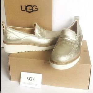 Ugg 9 Australia Gold Atwater Metallic Loafers BOX